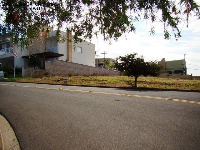 Terreno à Venda - Chácaras Silvania